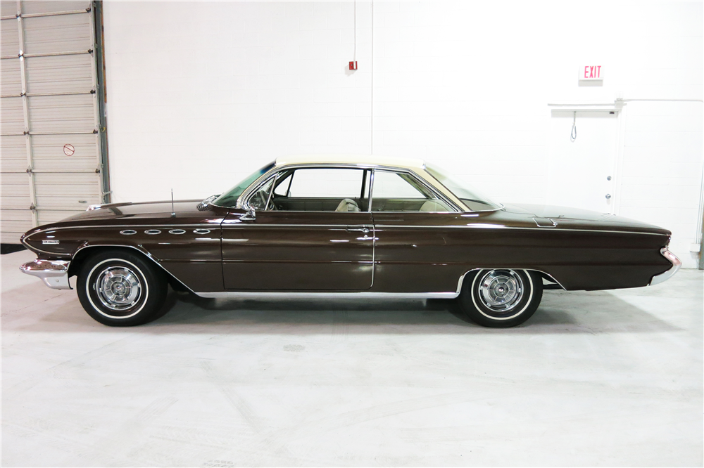 1961 BUICK ELECTRA  - Side Profile - 191216