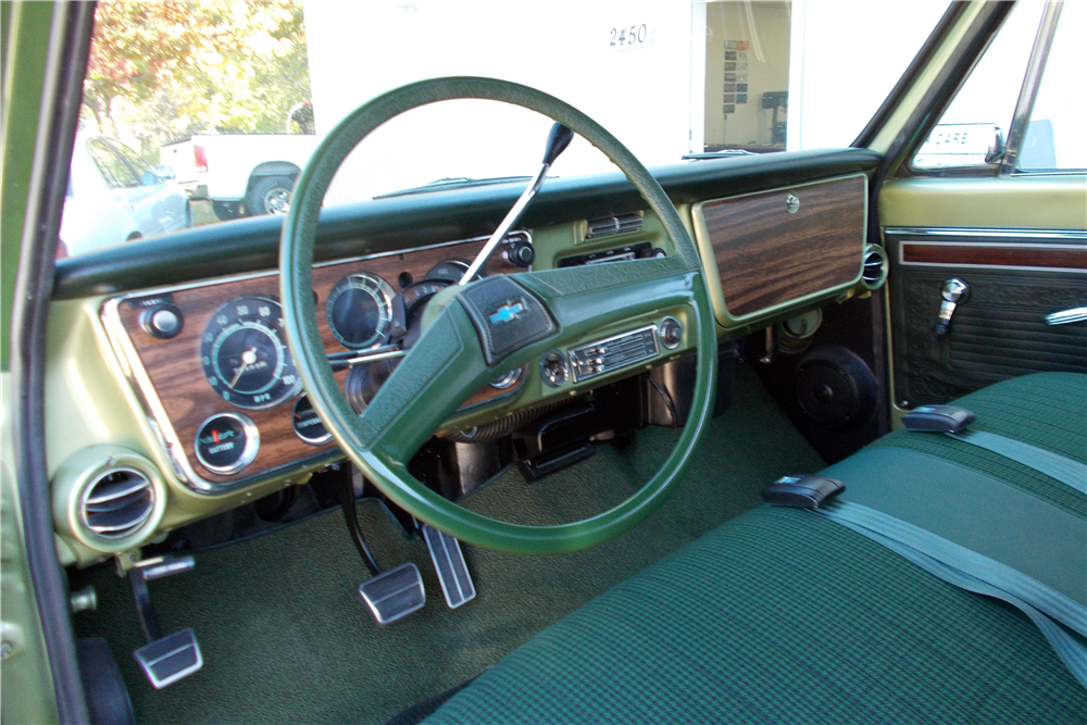 1971 CHEVROLET C-10 SHORT BED FLEETSIDE PICKUP - Interior - 191220