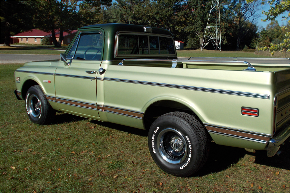 1971 CHEVROLET C-10 SHORT BED FLEETSIDE PICKUP - Rear 3/4 - 191220