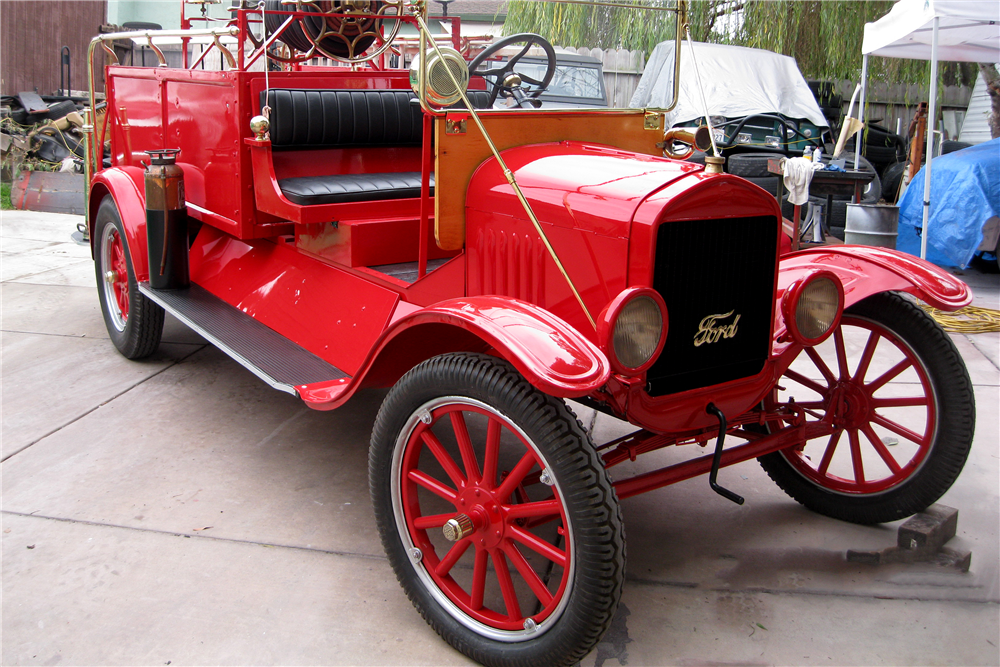 1923 FORD MODEL T FIRE TRUCK - Front 3/4 - 191280