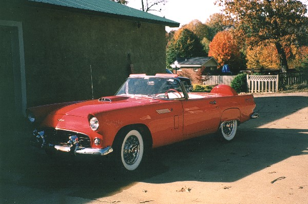 1956 FORD THUNDERBIRD CONVERTIBLE - Front 3/4 - 19132