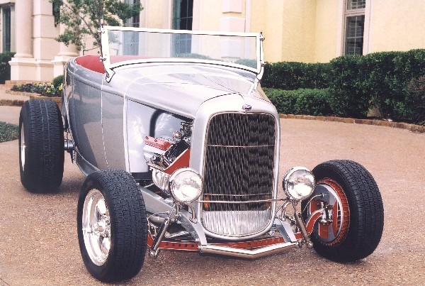1932 FORD HI-BOY ROADSTER - Front 3/4 - 19141