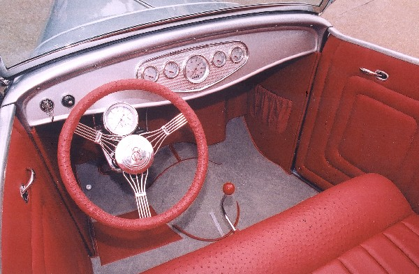 1932 FORD HI-BOY ROADSTER - Interior - 19141