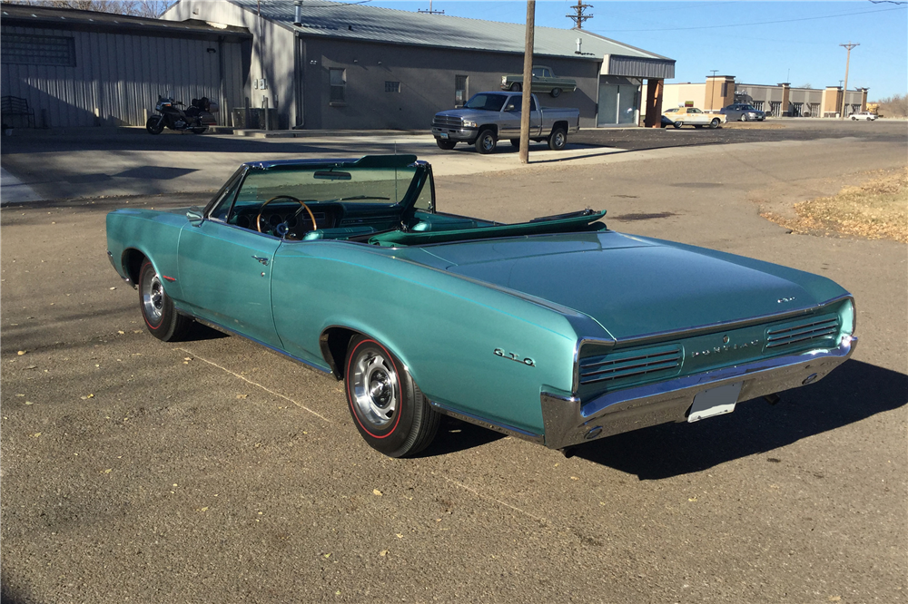 1966 PONTIAC GTO CONVERTIBLE - Rear 3/4 - 191497