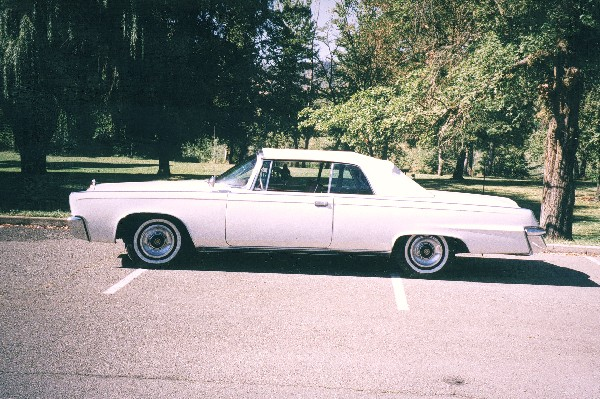 1965 CHRYSLER CROWN IMPERIAL CONVERTIBLE - Side Profile - 19155
