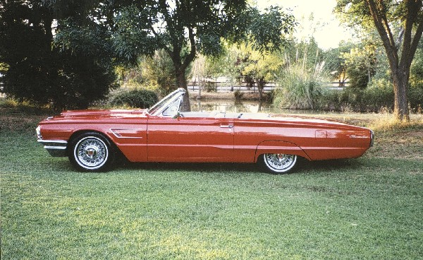 1965 FORD THUNDERBIRD CONVERTIBLE - Front 3/4 - 19161