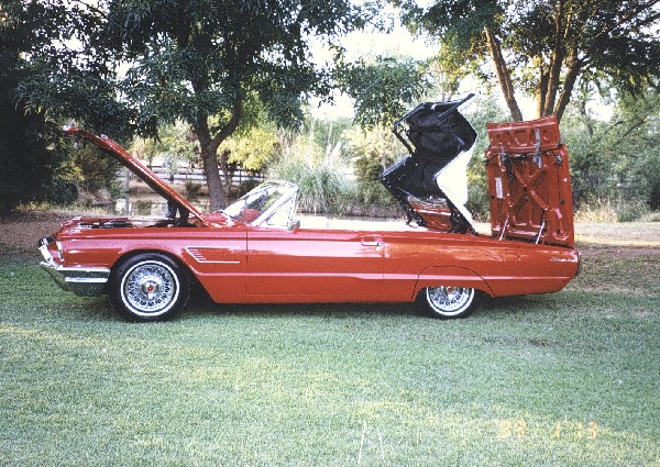 1965 FORD THUNDERBIRD CONVERTIBLE - Side Profile - 19161