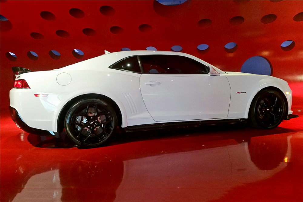 2015 CHEVROLET CAMARO Z/28  - Side Profile - 191880