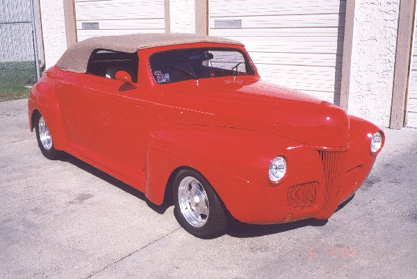 1941 FORD STREET ROD - Front 3/4 - 19201