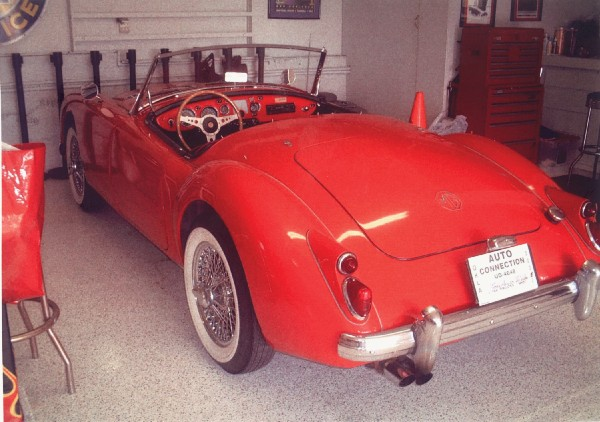 1961 MGA ROADSTER UNKNOWN - Rear 3/4 - 19220