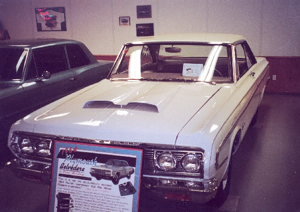 1964 PLYMOUTH BELVEDERE LIGHTWEIGHT 426 COUPE - Front 3/4 - 19230