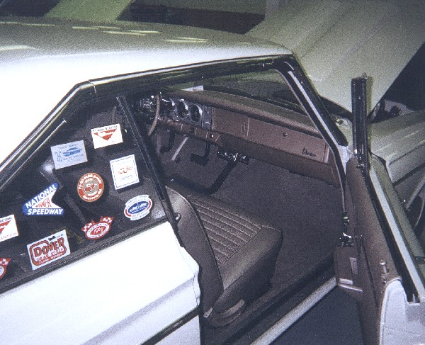 1964 PLYMOUTH BELVEDERE LIGHTWEIGHT 426 COUPE - Interior - 19230