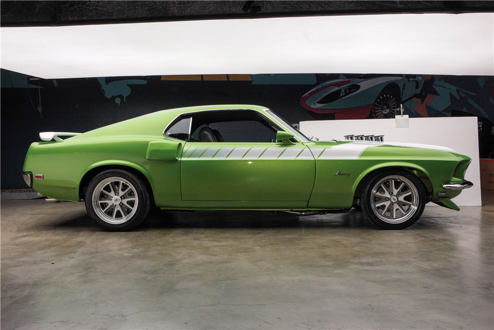 1969 FORD MUSTANG CUSTOM FASTBACK - Side Profile - 192503