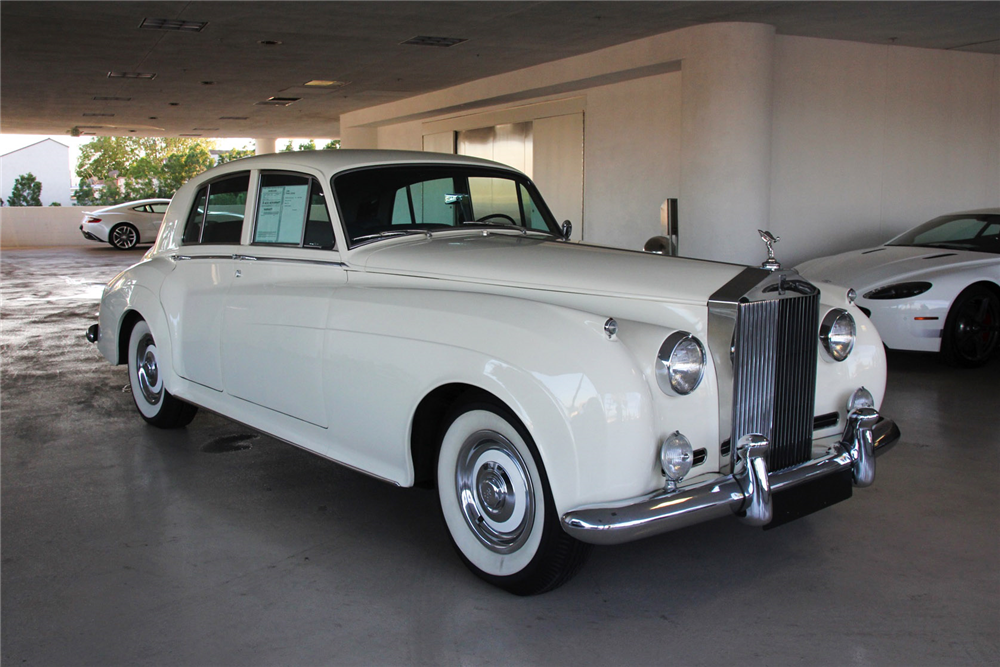 1961 ROLLS-ROYCE SILVER CLOUD II 4-DOOR SEDAN - Front 3/4 - 192505
