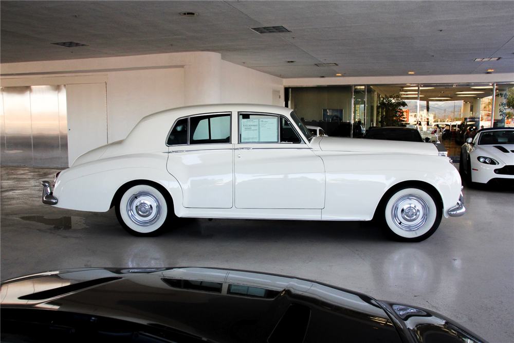 1961 ROLLS-ROYCE SILVER CLOUD II 4-DOOR SEDAN - Side Profile - 192505