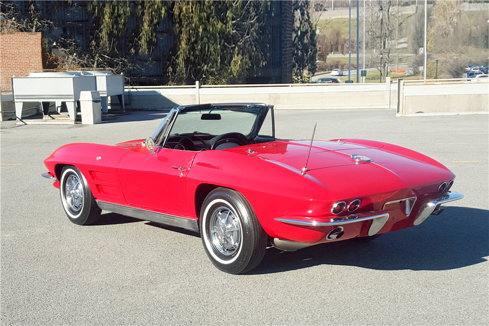 1963 CHEVROLET CORVETTE CONVERTIBLE - Rear 3/4 - 192646