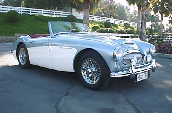 1961 AUSTIN-HEALEY 3000 MARK II BT-7 ROADSTER - Front 3/4 - 19274
