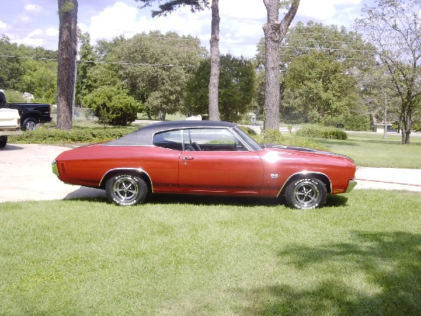1970 CHEVROLET CHEVELLE SS 396 COUPE - Front 3/4 - 19290