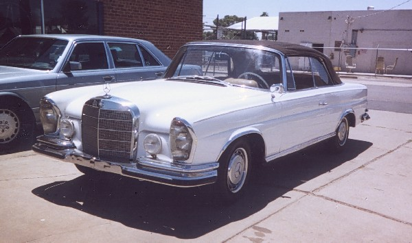 1964 MERCEDES-BENZ 220SE CONVERTIBLE - Engine - 19301