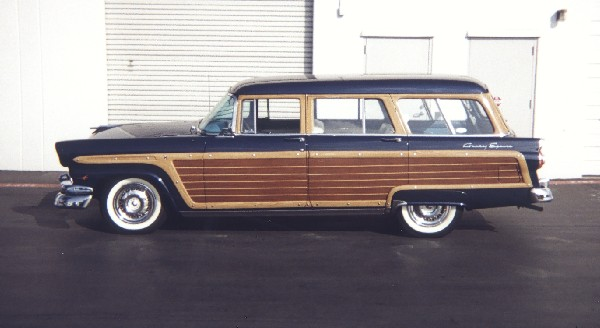 1956 FORD COUNTRY SQUIRE STATION WAGON - Front 3/4 - 19316