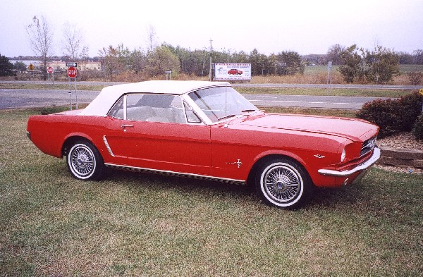 """1965 FORD MUSTANG """"D"""" CONVERTIBLE - Front 3/4 - 19322"""