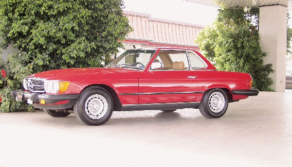 1985 MERCEDES-BENZ 380SL ROADSTER - Front 3/4 - 19333