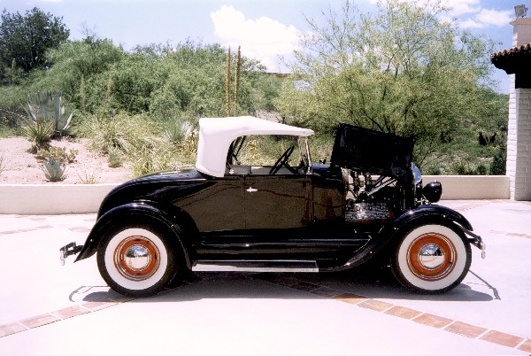 1929 FORD ROADSTER - Side Profile - 19337