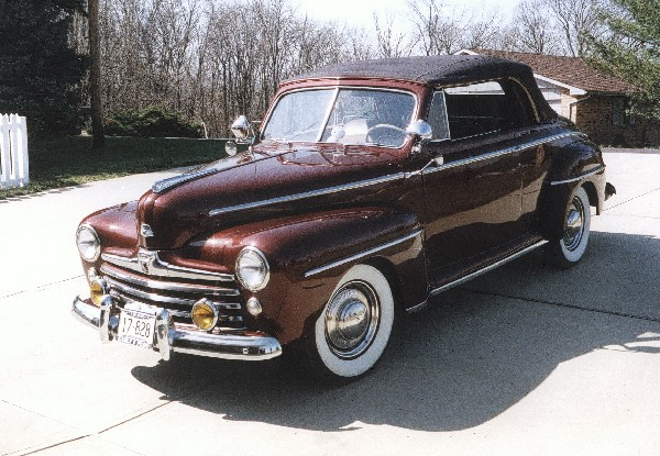 1947 FORD SUPER DELUXE CONVERTIBLE - Front 3/4 - 19371