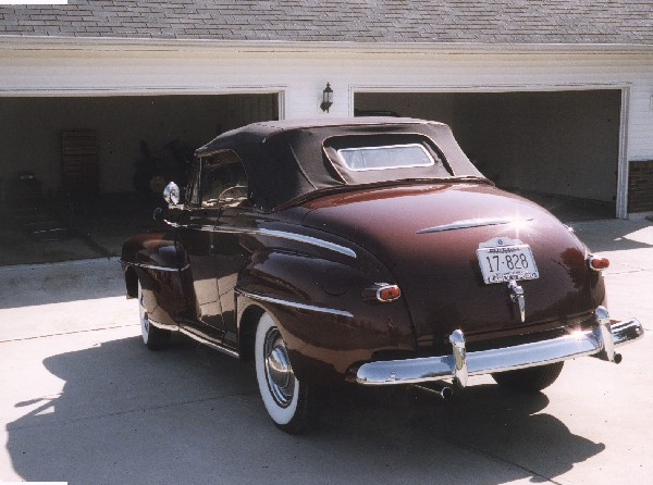 1947 FORD SUPER DELUXE CONVERTIBLE - Rear 3/4 - 19371