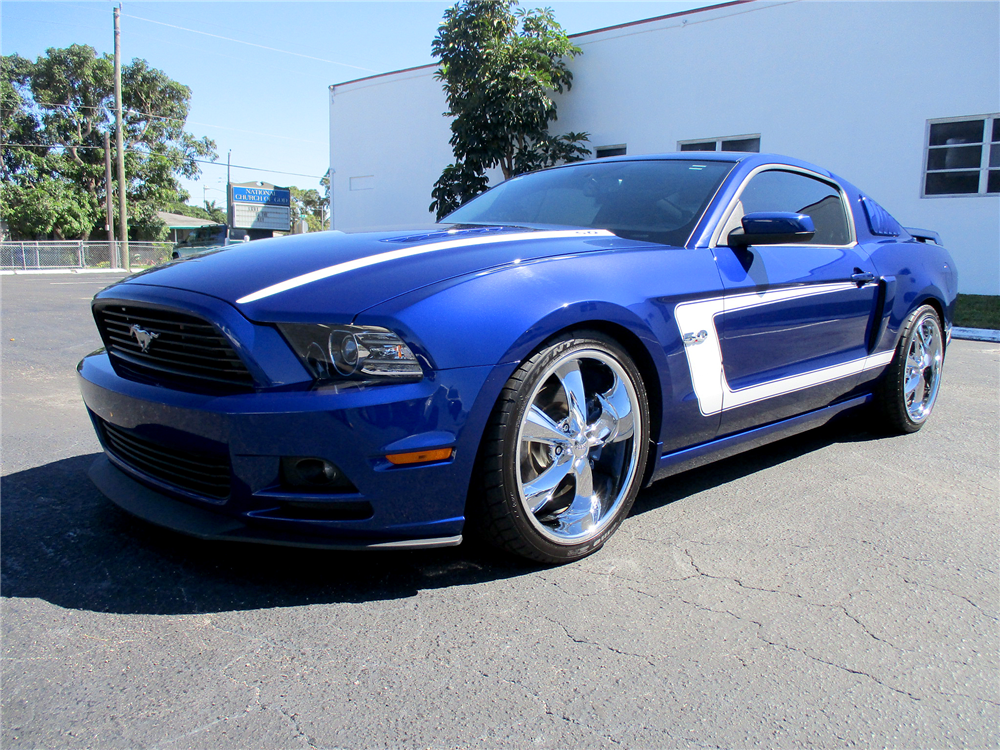 2013 ford mustang gt coupe 194024. Black Bedroom Furniture Sets. Home Design Ideas