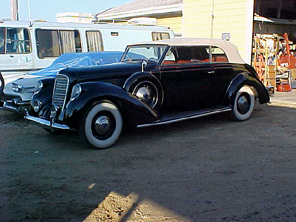 1939 LINCOLN K96 BRUNN VICTORIA CONVERTIBLE - Front 3/4 - 19421