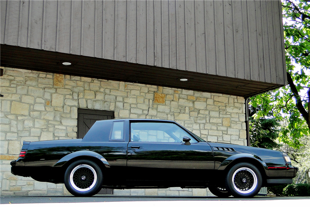 1987 BUICK GRAND NATIONAL GNX - Side Profile - 194306