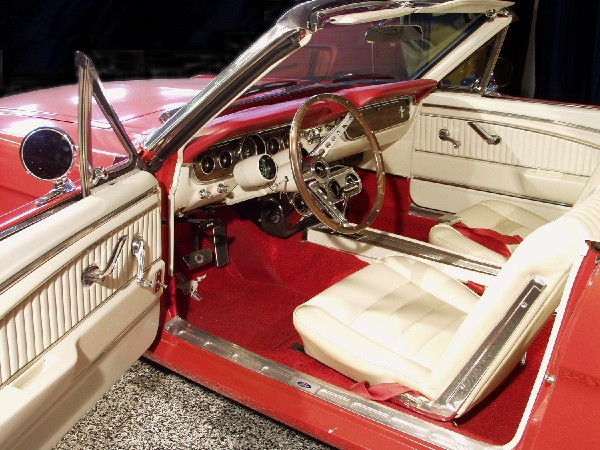 1965 FORD MUSTANG GT CONVERTIBLE - Interior - 19436