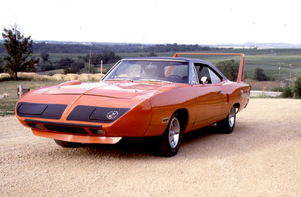 1970 PLYMOUTH SUPERBIRD 426 HEMI COUPE - Front 3/4 - 19441