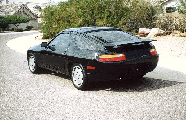 1987 PORSCHE 928S 4 COUPE - Rear 3/4 - 19452