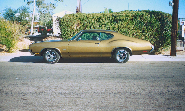 1972 OLDSMOBILE CUTLASS 442 COUPE - Front 3/4 - 19453