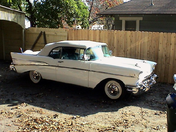 1957 CHEVROLET BEL AIR CONVERTIBLE - Front 3/4 - 19486
