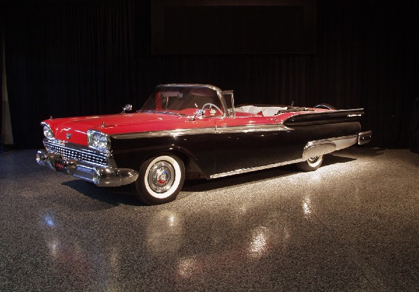 1959 FORD SUNLINER CONVERTIBLE - Front 3/4 - 19489