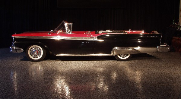 1959 FORD SUNLINER CONVERTIBLE - Side Profile - 19489