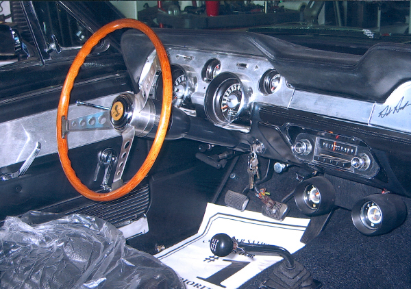 1967 SHELBY GT350 FASTBACK - Interior - 19492