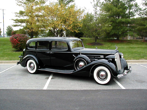 1937 PACKARD 1508 TOURING LIMOUSINE - Front 3/4 - 19539