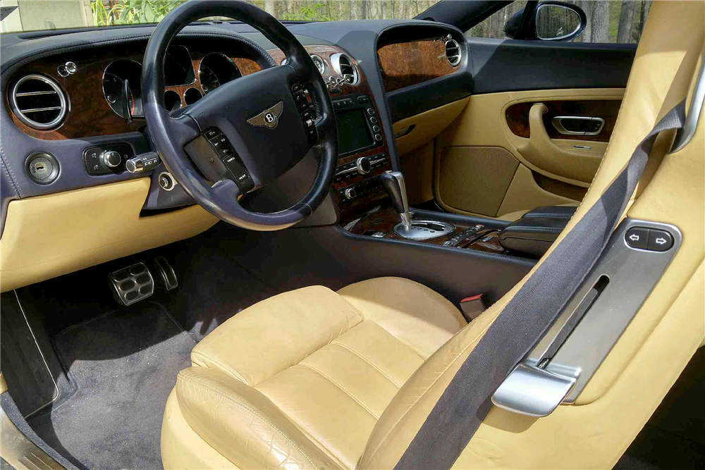 2004 BENTLEY CONTINENTAL GT - Interior - 195755