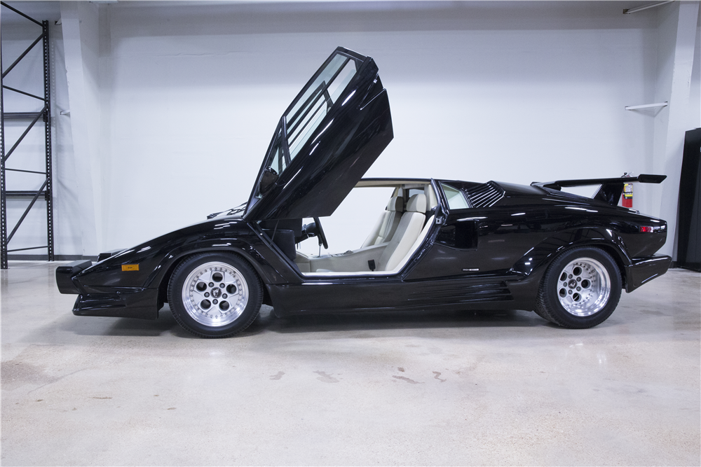 1989 lamborghini countach 25th anniversary edition.