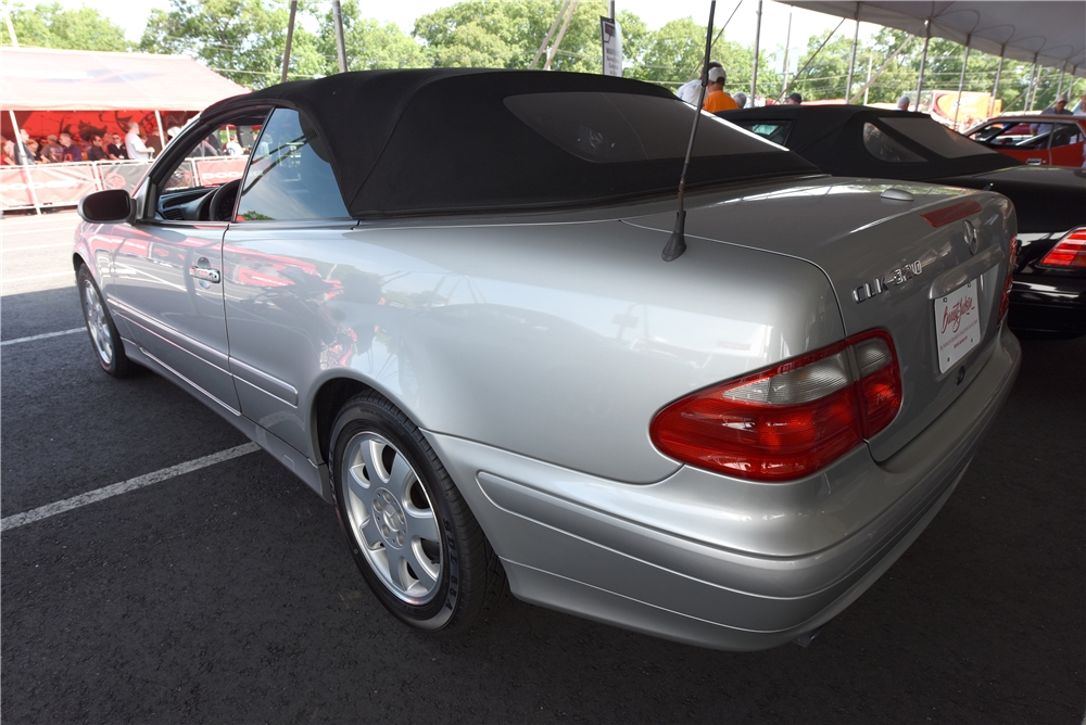 2000 mercedes benz clk 320 cabriolet 195981. Black Bedroom Furniture Sets. Home Design Ideas