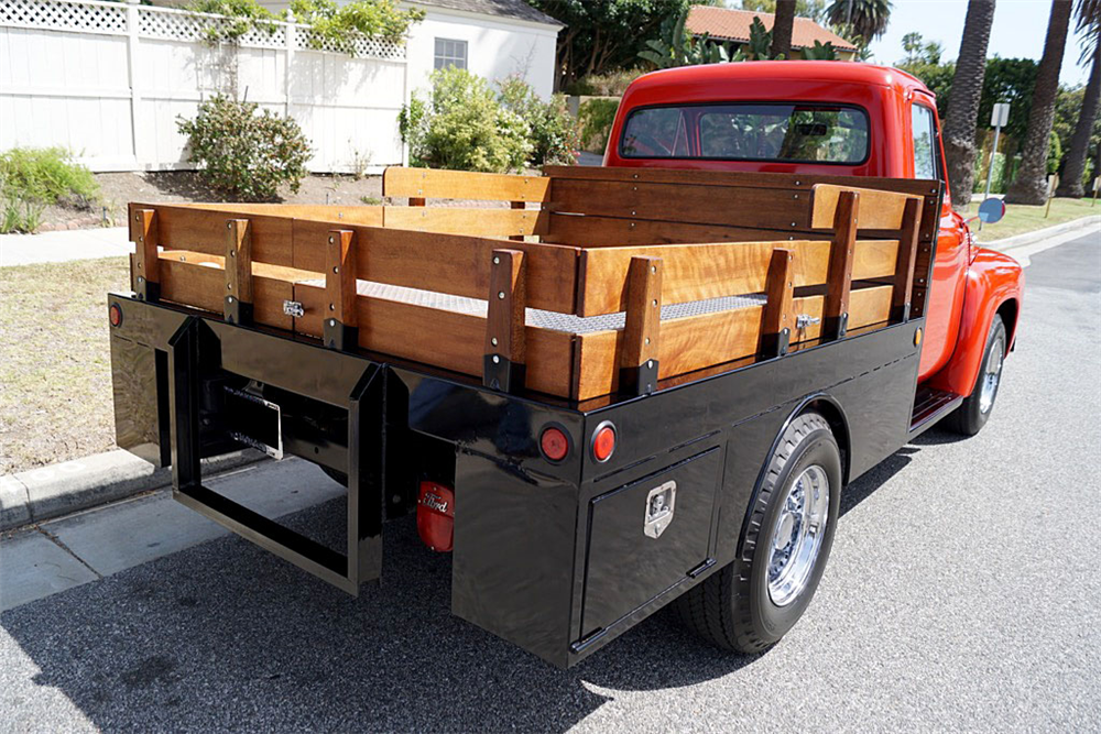 1954 FORD F-250 FLATBED PICKUP - 196017