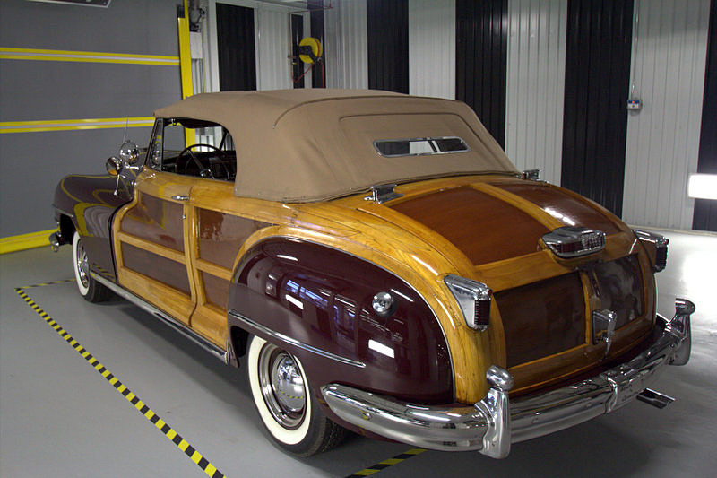 1946 CHRYSLER TOWN & COUNTRY CONVERTIBLE - Rear 3/4 - 196143