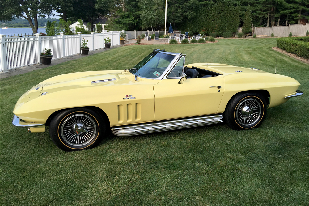 1966 CHEVROLET CORVETTE 427/390 CONVERTIBLE - Front 3/4 - 196468