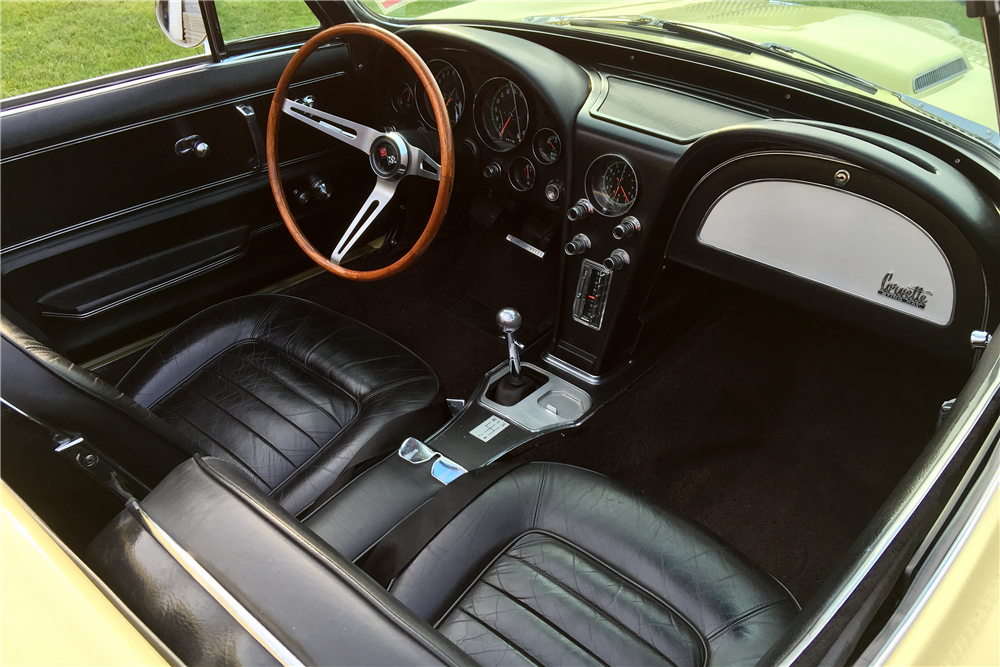 1966 CHEVROLET CORVETTE 427/390 CONVERTIBLE - Interior - 196468