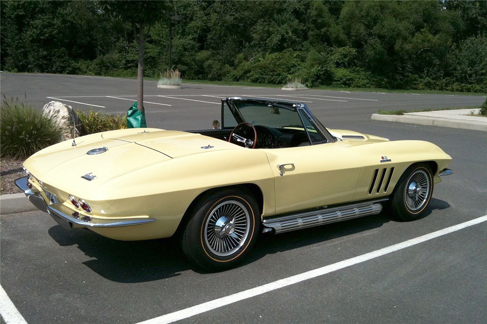 1966 CHEVROLET CORVETTE 427/390 CONVERTIBLE - Rear 3/4 - 196468