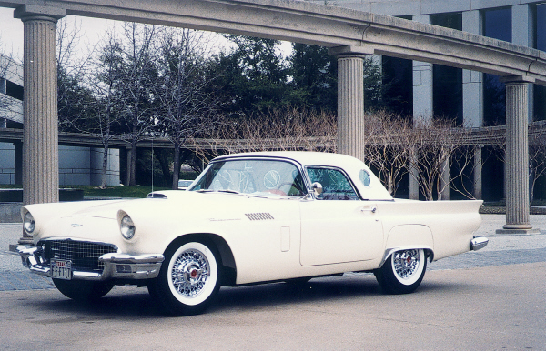 1957 FORD THUNDERBIRD CONVERTIBLE - Front 3/4 - 19653